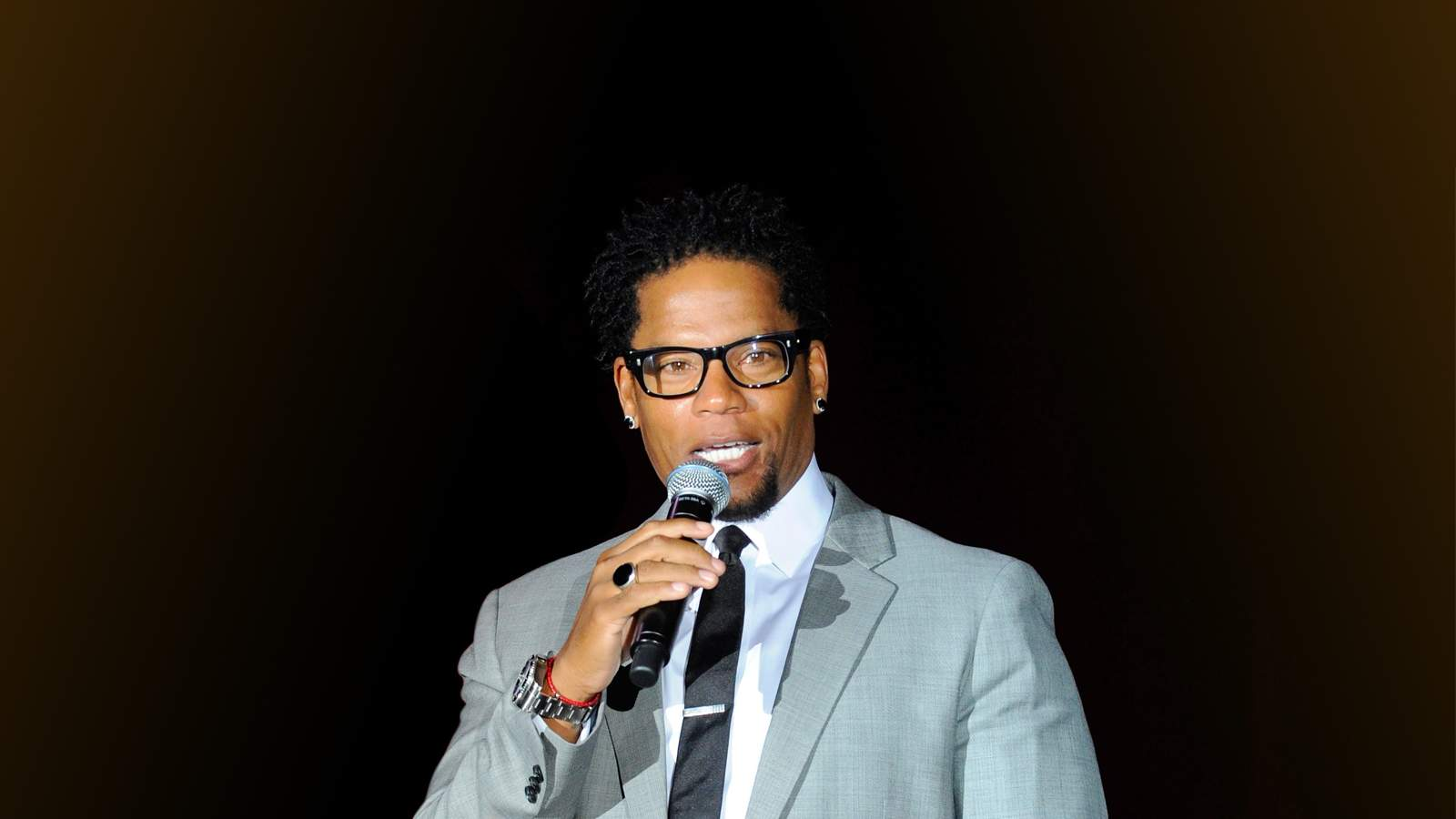 DL Hughley (21+ Event) (Rescheduled from 1/22)