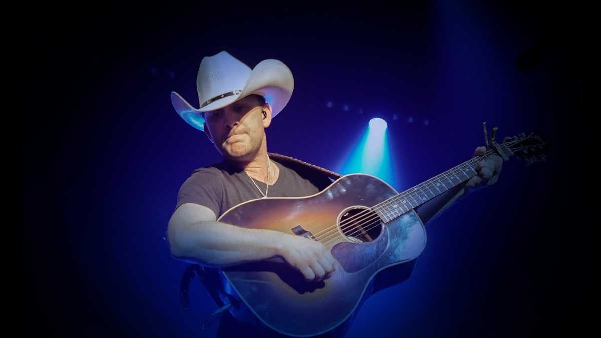 Justin Moore (Rescheduled from 7/11/2020)