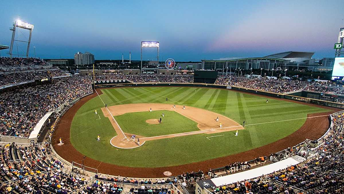 2021 College World Series - Game 3